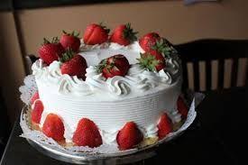 Resultado de imagem para fotos de bolo com chantilly