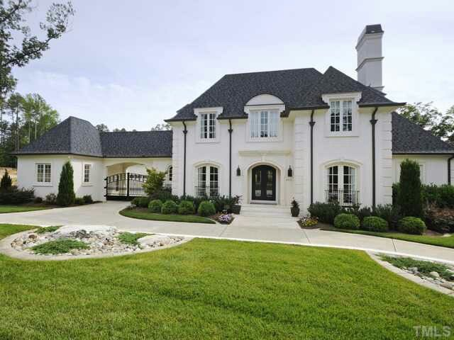 17 best ideas about french chateau homes on pinterest for French country house plans with porte cochere