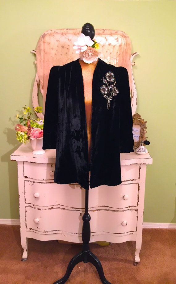40s Opera Jacket, 1940s Velvet Sequin Coat, Formal Party Coat, Black Velvet Coat, Old Hollywood Glam, Structured 40s Coat, Size Medium/Large