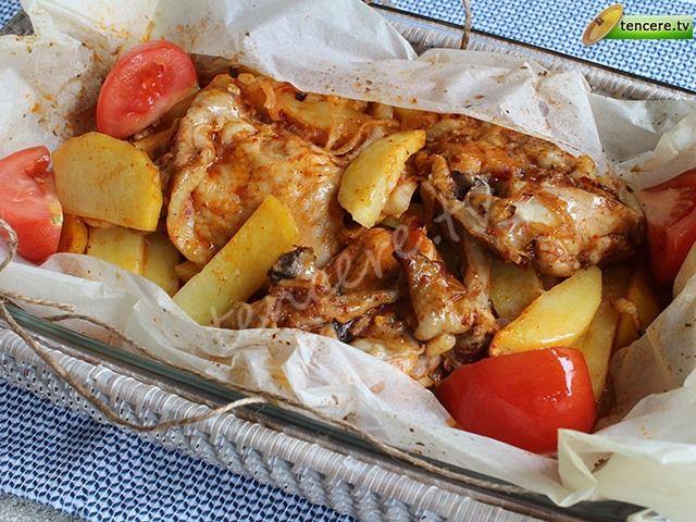 5 dakikada nefis bir yemek hazırlayıp fırına verebilirsiniz. Kağıtta Terbiyeli Tavuk