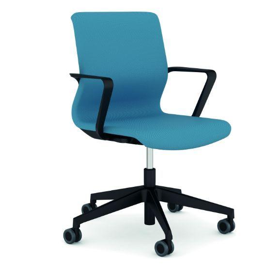 Пополнение в семействе кресел DRUMBACK Коллекция кресел DRUMBACK от дизайнера Мартина Баллендата пополнилась креслами и стульями для конференц-залов, переговорных и посетителей.