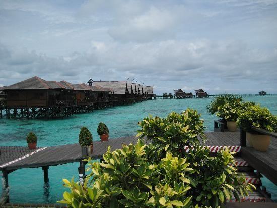 Kapalai Resort