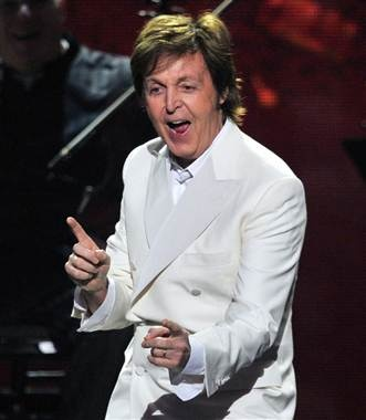 Happy 70th birthday, Paul McCartney! (photo: Kevin Winter / Getty Images)-he still has IT.
