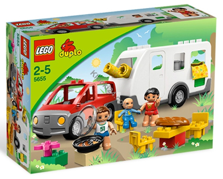 Dostępny w sklepie Klocki24.com zestaw Lego 5655 Duplo to wspaniała przyczepa kempingowa! Cała rodzina postanowiła udać się na weekend za miasto, mają w planach grillowanie, zwiedzanie i opowiadanie sobie historyjek przed snem. Może do nich dołączysz?