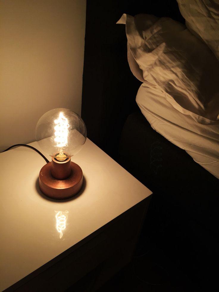 Globe, lightbulb, bulb, table, table lamp, lamp, nightlight, nightstand, bedroom, PR, design, interior