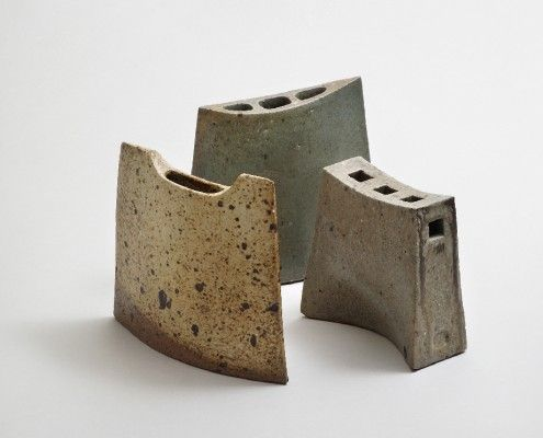 Robert Deblander. Vases sculptures en grès. Années 62-70. Photo Cécile Champy