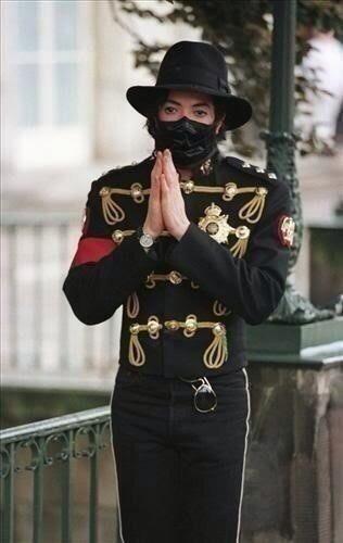 """♥ Michael Jackson ♥ Prince """"Darling Nikki"""" Audio  https://www.youtube.com/watch?v=lU8Tu9GFwUw"""