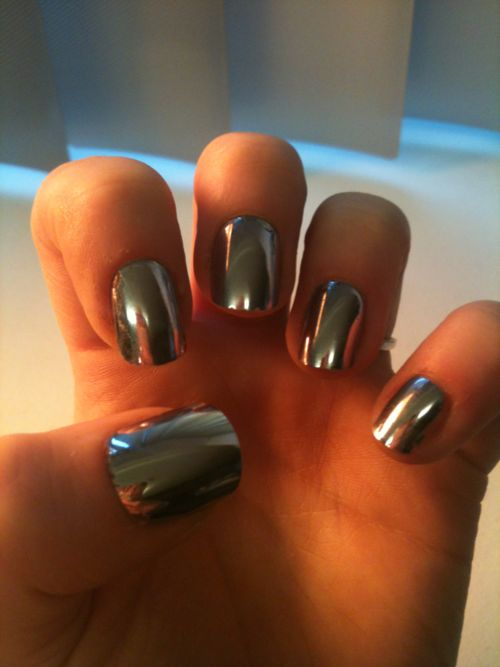This metallic nail polish is available at Sephora. Adds a stainless steel/mirror effect to your nails!: Nails Art, Nail Polish, Mirror Nails, Silver Nails, Nailpolish, Sephora Mirror, Metals Nails, Nails Polish, Chrome Nails