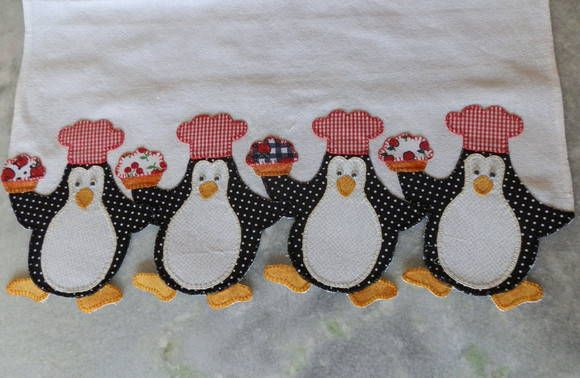 Saco alvejado de boa qualidade e o barrado em tecido 100% algodão bordado a mão...    Tamanho: 50x70 cm.. R$ 27,50