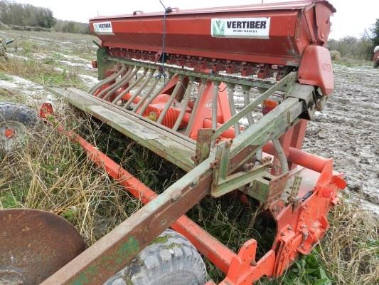 This week begins with a seed drill! You can see more pics on http://www.agriaffaires.de/gebrauchte/direktsaatmaschinen/1/8622/vertiber.html