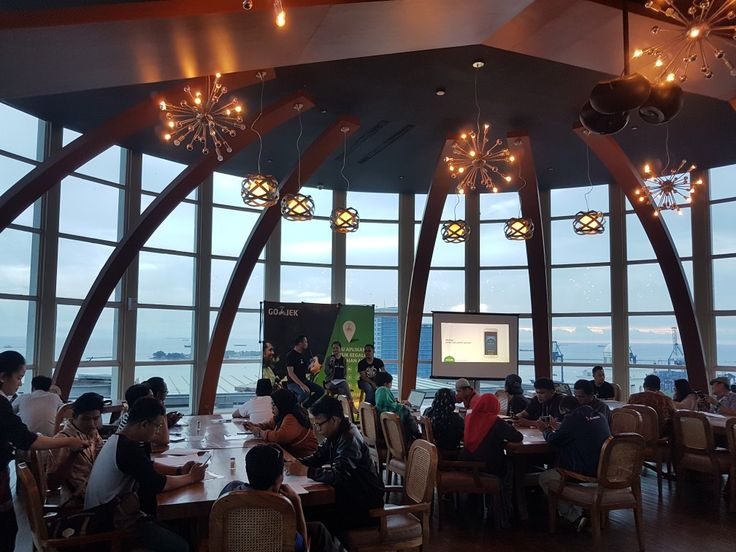 Earlier breakfasting event @gojekindonesia with Makassar Media. Make your company gathering with us, For Inquiry 📞 3620800  #on20makassar | on20makassar.com