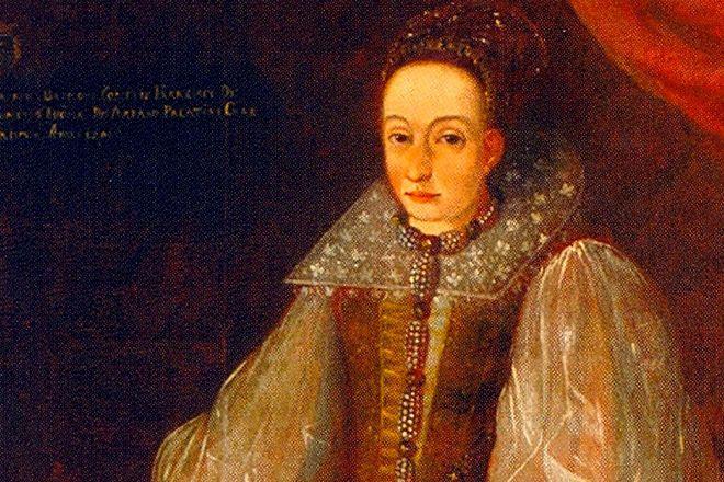 Графиня Элизабет Батори Количество убийств: 650 Кровавая Графиня — вот, как называли Элизабет Батори. В погоне за вечной жизнью, беспринципная красотка погубила целых 650 юных девочек и выпила их кровь.