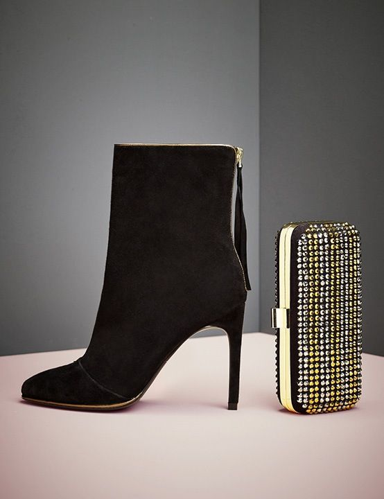 Black and Gold - A Classic Combination