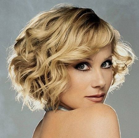 Layered Curly Hairstyles for Blonde Short Hair