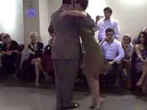 Leo Ortiz y Constanza Vecslir performance at Porteño y Bailarín milonga,...