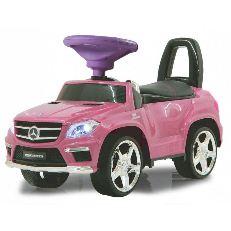 En populär sparkbil designad som en sportig Mercedes ML63 AMG med noggranna detaljer. Förvaringsutrymme under sätet och tuta på ratten. Tillverkad av robust plast för att vara redo för spännande utflykter.  Denna variant är utrustad med belysning fram och bak, startknapp med motorljud, mjukt säte, lära-gå-bil och sparkbil 2in1.  Gåbilar och sparkbilar är de små barnens favorit och en uppskattad födelsedagspresent, doppresent eller julklapp som barnen kommer att ha roligt med i många år…