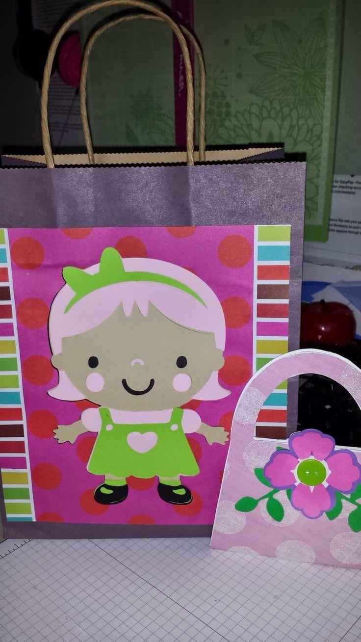 color y papel68: Detalles que hacen la diferencia, bolsa con tarjeta personalizada