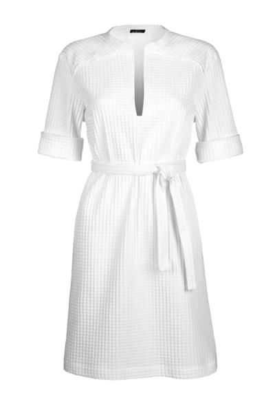 An oversized tunic dress in cotton. Wear it with or without belt, a two in one everyday piece. Composition : 69%Cotton, 30%PA, 1%EA.Made in Belgium.