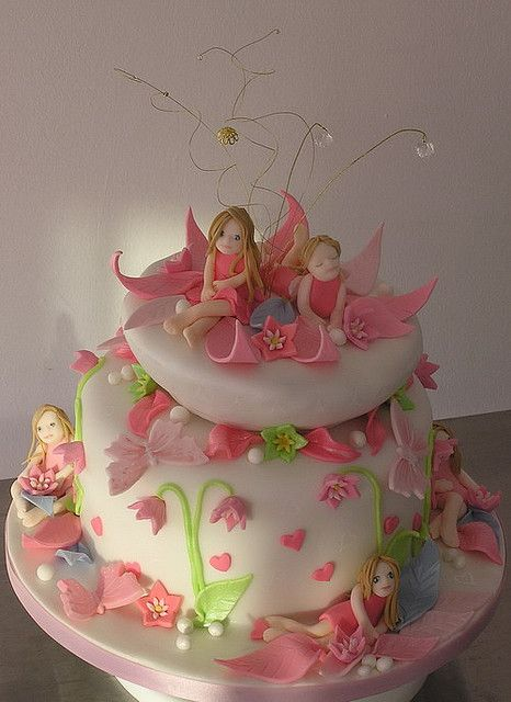 Garden fairy cake another wow cake, so wish I was this talented,both to think up designs and to be able to execute such a design