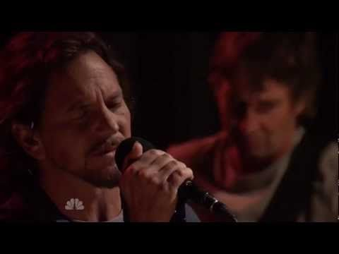 """Video - Pearl Jam performs Pink Floyd's song, """"Mother"""" on Jimmy Fallon.    http://youtu.be/kAh1jH5F_i4"""