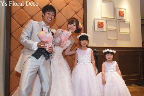 こちらのおふたりのお色直しのときのご様子です。まるで歯磨き粉のCMのよう!?さわやかでかわいいおふたりです(^^) 白ドレスからごくごく淡いピンク色のド...