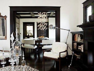 dark trim, white walls... perfection!: Living Rooms, Floors, Blacktrim, Black And White, Interiors Design, Black White, Dark Trim, Black Trim, White Wall