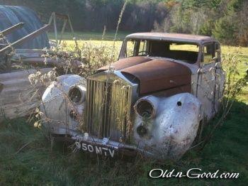 rusty abandoned rolls royce