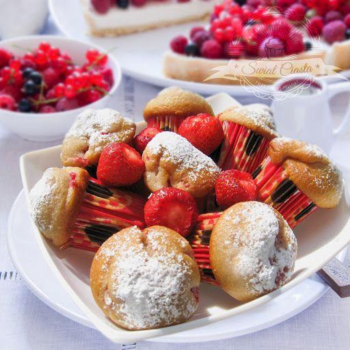 Muffinki z truskawkami   Świat Ciasta