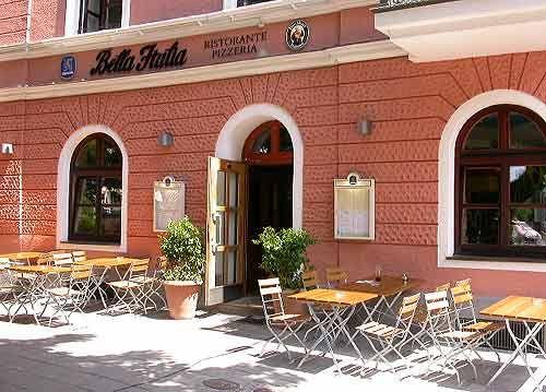 bella italia - nicht so herzlich wie der cavaliere schräg gegenüber, aber nur halb so teuer.
