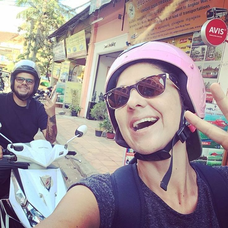 Rodando por las calles de esta Siem Reap!  www.vivirtrabajarviajar.com #vivirtrabajarviajar #seamreap #cambodia #southeastasia #travelphotography
