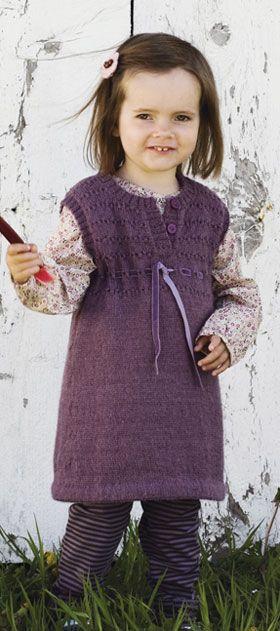 Fin kjole til jente med oppskrift
