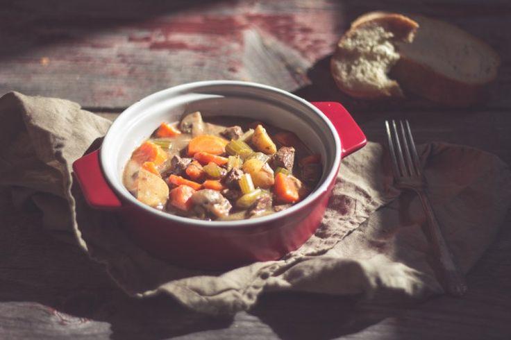Boeuf d'automne    Délicieux plat mijoté de boeuf et de légumes.  Comfort food suprême!  http://monplana.ca/boeuf-dautomne/