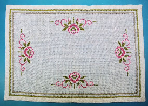 Very well done vintage 1970s unused rectangular handmade embroidery cross-stich rose flower motive on bone white linen tablet/ table-cloth.