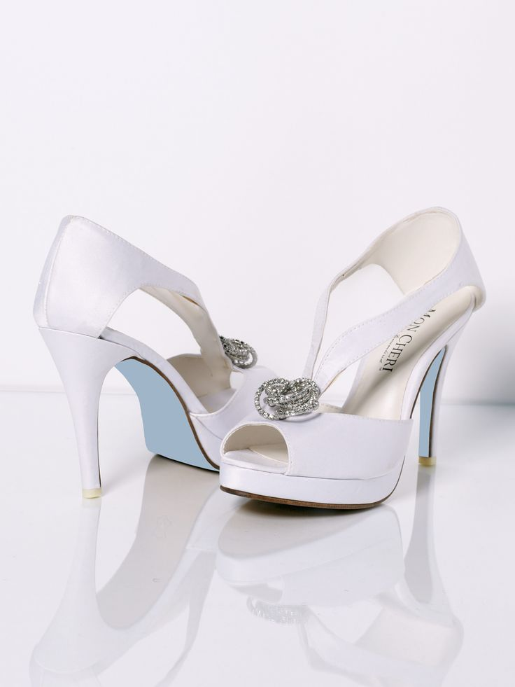 Update Your Clic Style With Mon Cheri Shoes Emma This P Toe Wedding Shoe Showcases A Brooch Accent Stunning V Strap Design