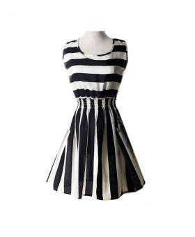 Vestito corto online a righe bianche e nere