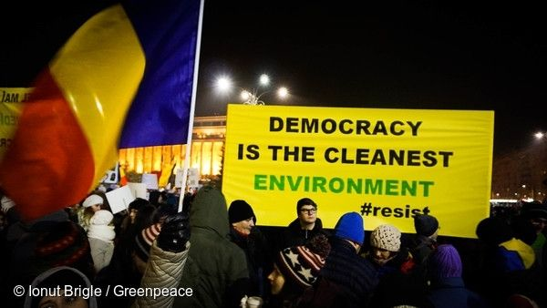 Democracy is the cleanest environment. 03/02/2017 © Ionut Brigle / Greenpeace