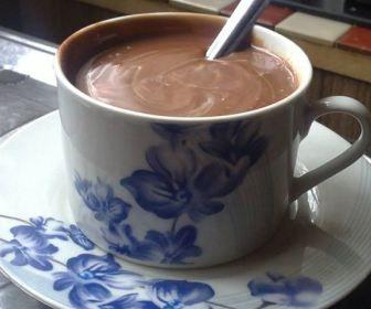 Receita de Chocolate quente bem cremoso - Show de Receitas