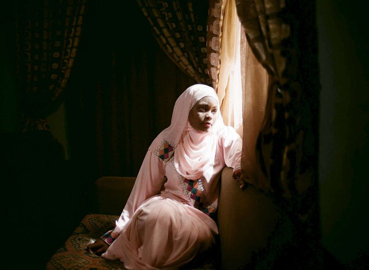 DIAGRAM OF THE HEART : : Glenna Gordon Muslim women writing romance novels in Northern Nigeria...some are subversive and some submissive, writers often face off with Islamic censors.