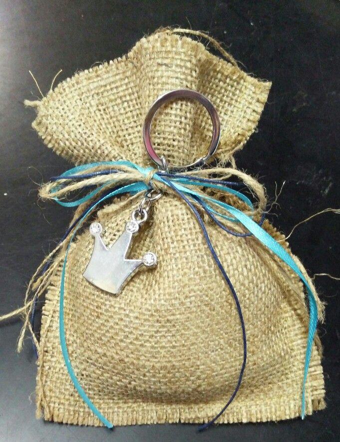 Μπομπονιέρα Βάπτισης λινάτσα μπρελόκ κορόνα
