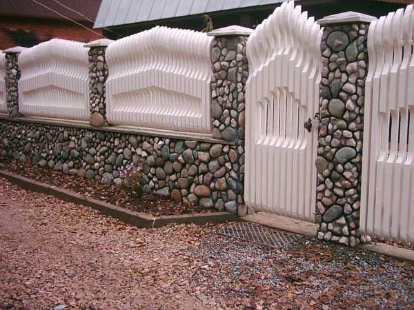 забор с вырезанным фигурным профилем