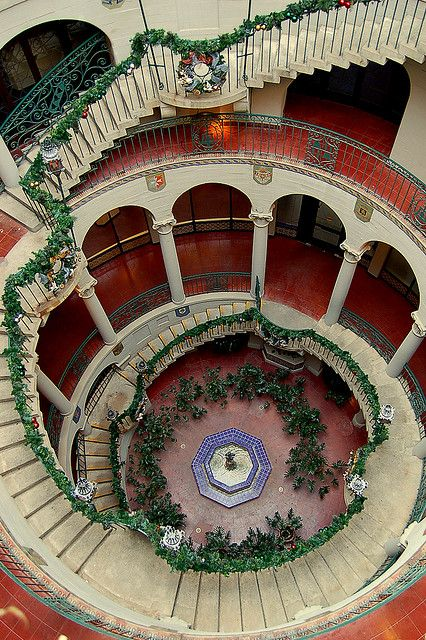 visitheworld:  The spiral staircase at Mission Inn, Riverside / California (by Lam's Photo).