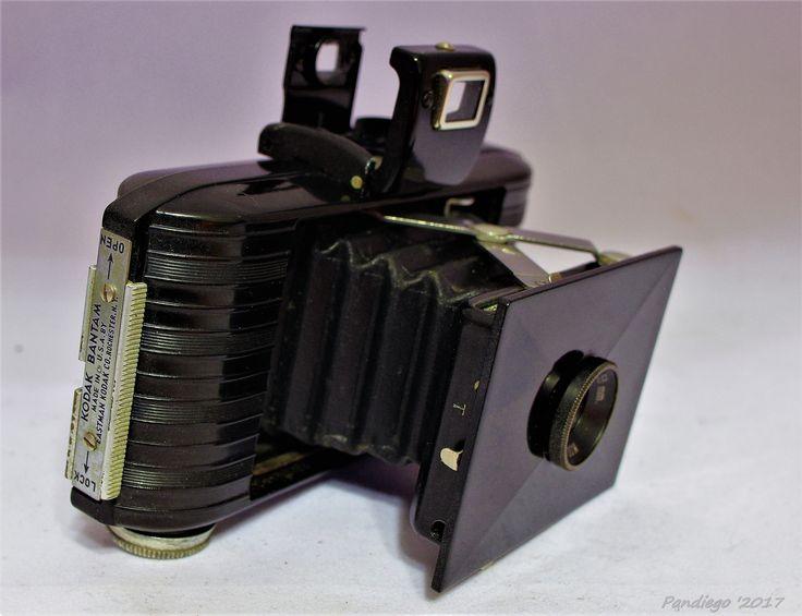 Kodak Bantam f12.5 - 828 film camera (1935-1938)