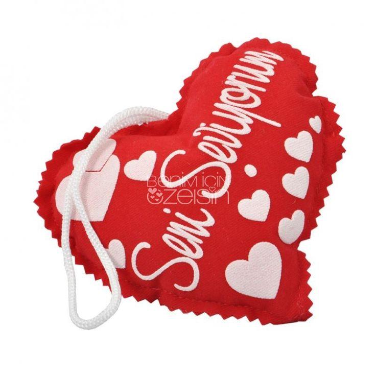 Kalp Yastık https://www.benimicinozelsin.com/tekstil/seni-seviyorum-kalp-yastik #yastık #kalpyastık #hediye #benimiçinözelsin #hediyeeşya