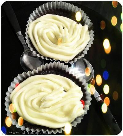 Kladdig choklad cupcake med vanilj smörkräm
