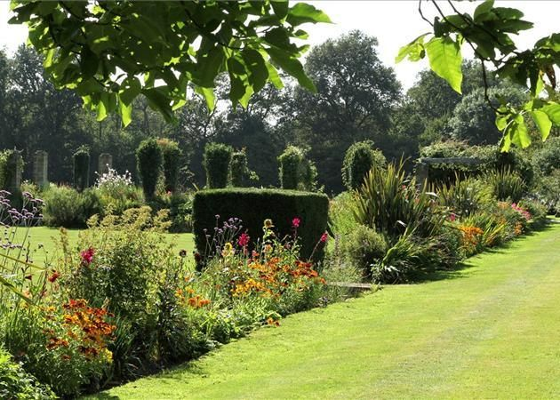 famous english country gardens   Great British Architect Lutyens finest English country home in Sussex ...