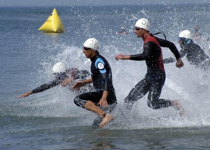 http://upload.wikimedia.org/wikipedia/commons/a/a8/Triathlon,_swimming.jpeg