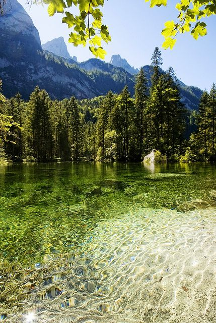 green lake! Gosau Lake in Salzkammergut, #Austria