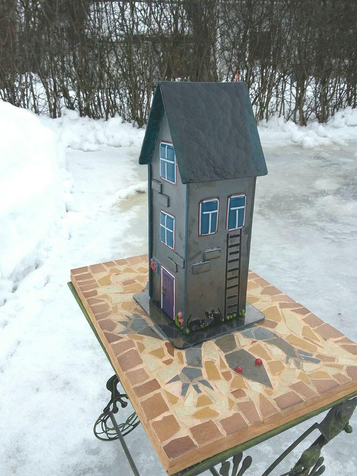 Fused glas house