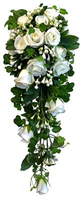 Brudbukett Bridal flowers. Ros Akito, bouvardia, murgröna och blad från julros http://holmsundsblommor.blogspot.se/2013/07/vit-droppe.html 130722