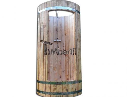 douche extérieure en bois